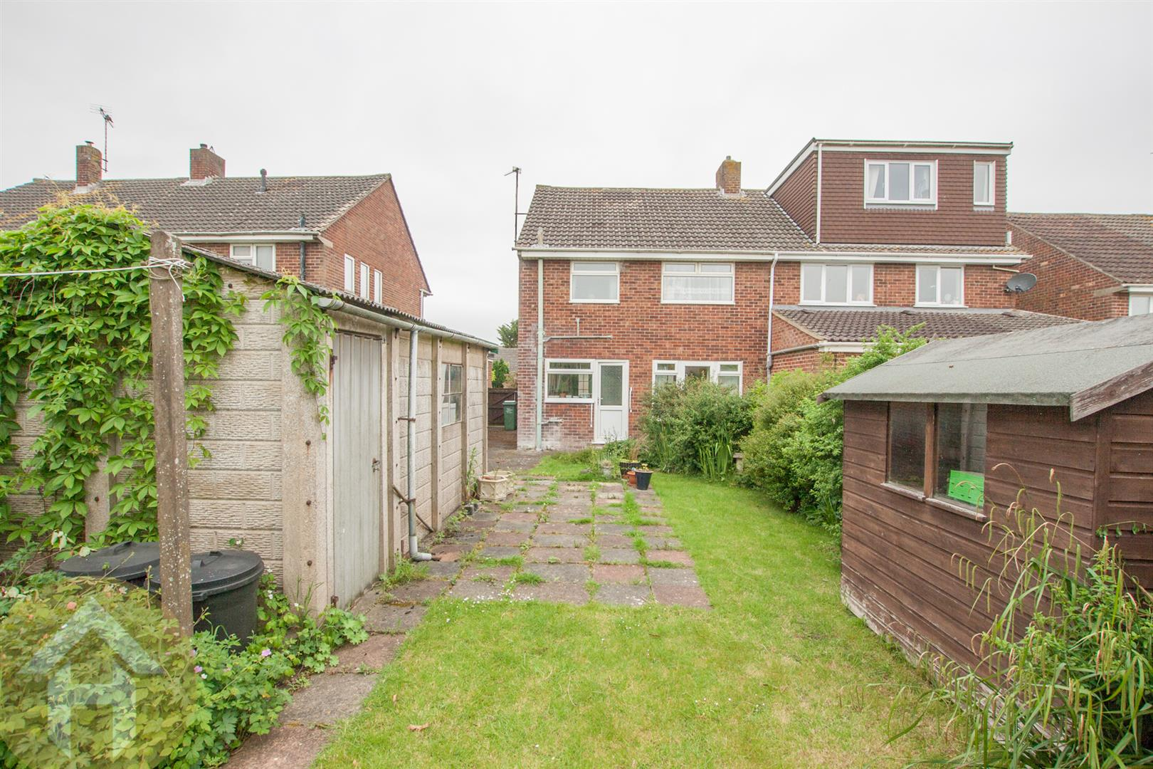 3 Bedrooms Property for sale in Noredown Way, Royal Wootton Bassett
